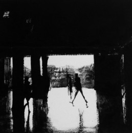 Judith Marin Tunnel peinture noir et blanc sur toile