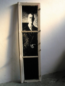 Judith Marin L'Aristo fenêtre peinte acrylique noir et blanc portrait inspiré des photographies de Patrick Faigenbaum