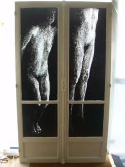 Envol fenêtre parisienne peinture acrylique sur verre
